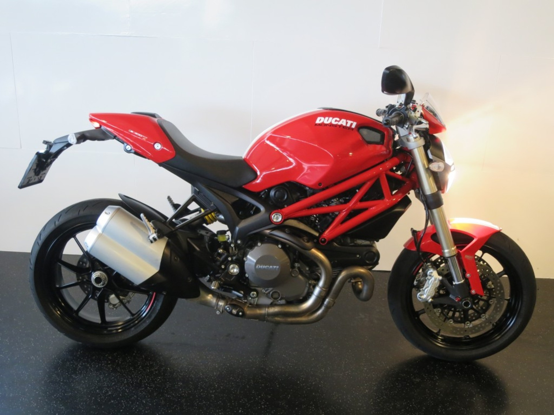 remklauwen ducati monster 1100 2011 2013 201282169 motorparts. Black Bedroom Furniture Sets. Home Design Ideas