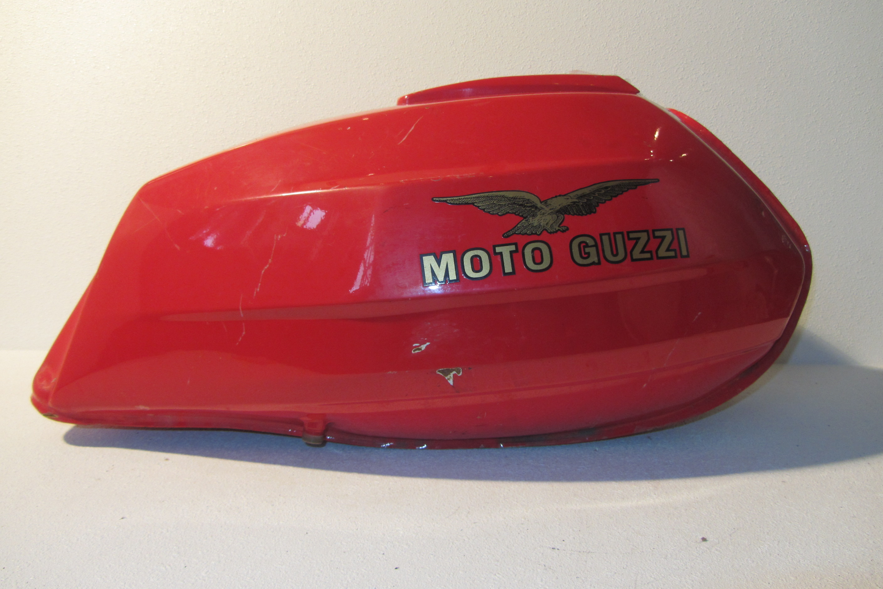 fuel tank moto guzzi le mans 1000 1985 1993 201143787 motorparts. Black Bedroom Furniture Sets. Home Design Ideas